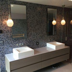 Plan de travail en verre Salle de bain - Vitrerie DAVID Sàrl - Yverdon-les-Bains